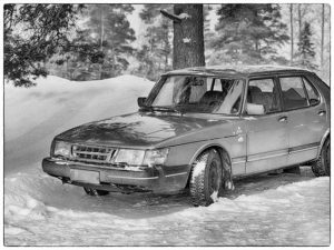 Tapio's Saab 900 on snow / Ylinen Finland 2004